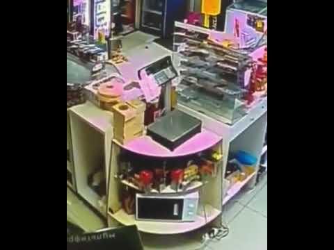 Разбойное нападение на магазин. Усть-Каменогорск, бульвар Гагарина