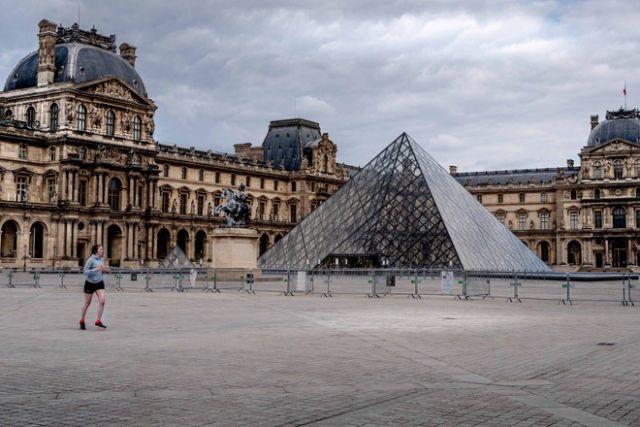 Лувр планируют открыть с 6 июля