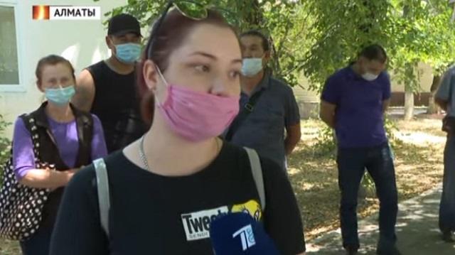 «Тела уже разлагаются!»: Казахстанцы не могут похоронить родных