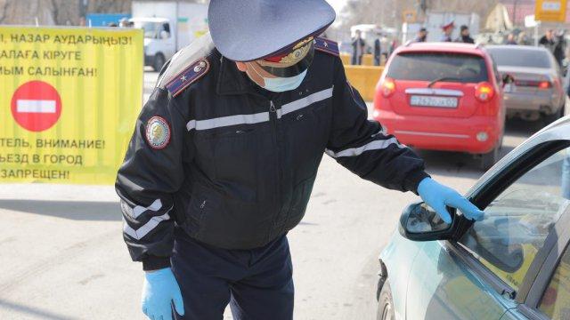 «Думают, что проедут»: Полицейские рассказали о работе на блокпостах