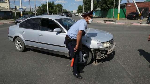 Две иномарки не поделили перекрёсток в центре Костаная