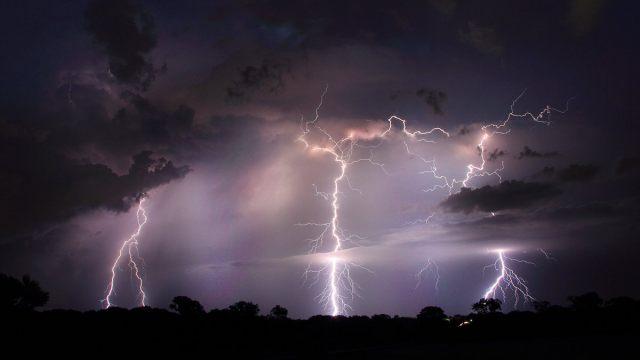 Штормовое предупреждение на 25 июля объявлено в Костанайской области