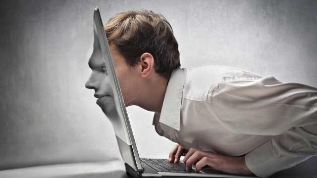 «Онлайн-кредит»: Жительница Костаная пострадала от интернет-мошенников