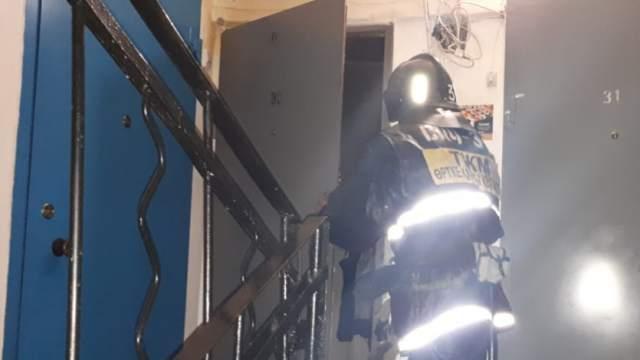 25 человек эвакуировали из-за пожара в пятиэтажном жилом доме в Рудном