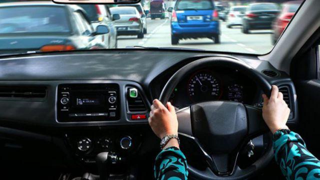 Регистрация праворульного автотранспорта в Казахстане запрещена — МВД