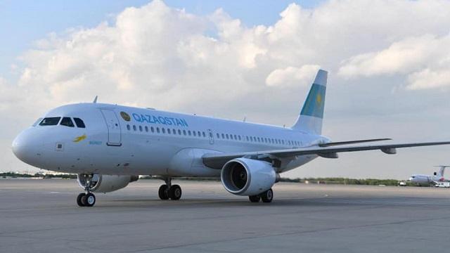 Два самолета столкнулись в аэропорту Алматы