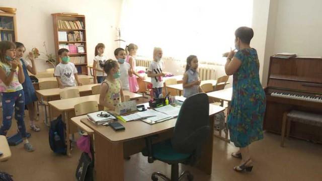 В школьные кружки и детсады Костанайской области вернулись дети