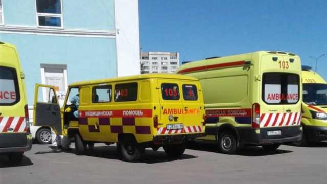 Работники скорой помощи выступили против вакцинации от Covid-19