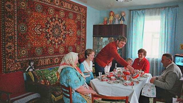 Почему в СССР ковры вешали на стены?
