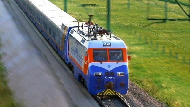 В Казахстане отменено движение трех поездов