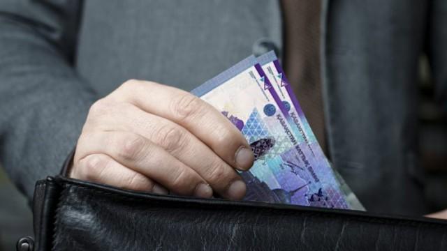 Почему глава ФСМС Болат Токежанов отказался озвучить размер своей зарплаты