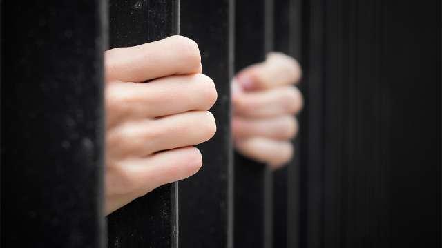«В знак протеста»: Осужденные объявили голодовку в колонии Караганды