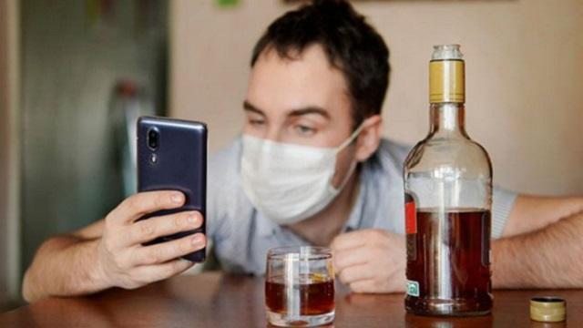 Названа допустимая доза алкоголя после прививки от коронавируса