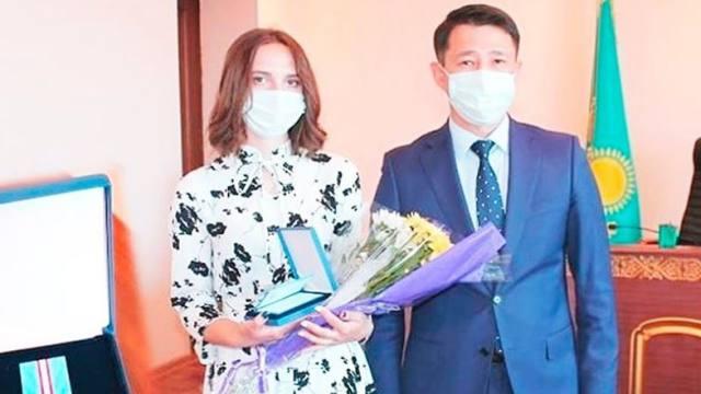 Погибшую от коронавирусной инфекции медсестру из Житикары Елену Новоселову наградили орденом посмертно
