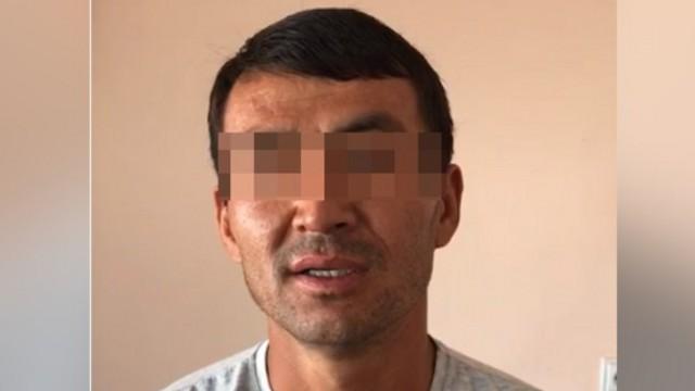 Задержан мужчина, заставивший детей есть арбузные корки с земли