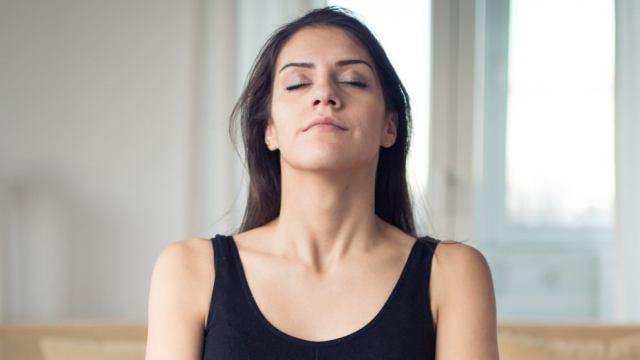 Учёные рассказали, почему люди часто дышат только одной ноздрёй