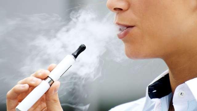 Электронные сигареты приравняли к обычным в Казахстане