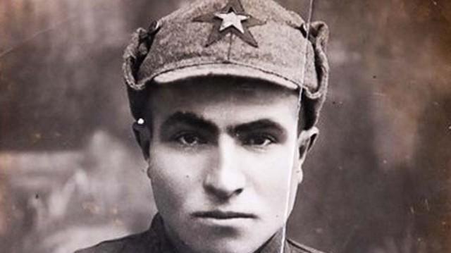 «Наш Гитлер»: За что советского однофамильца фюрера наградили медалью «За отвагу»?