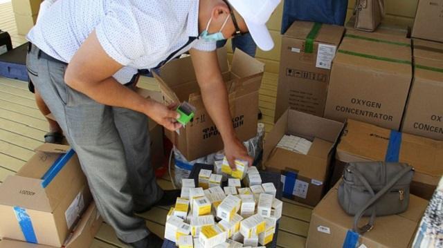Живущий в Москве казахстанец отправил в родное село медикаменты на $30 000