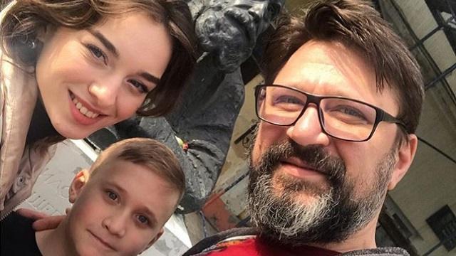 Звезда сериала «Счастливы вместе» Виктор Логинов женился на актрисе младше своей дочери?
