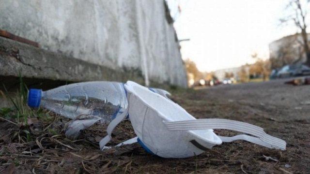 В защитных масках увидели угрозу для экологии