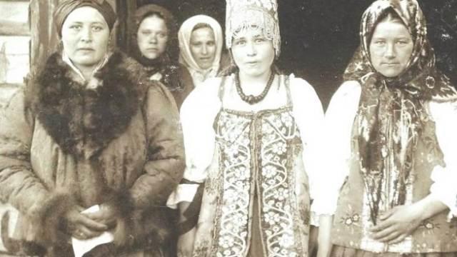 «Нагими запрягали в телегу»: Как на Руси наказывали девушек, не сохранивших целомудрие до брака?
