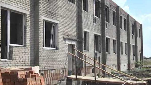 Пустующий роддом реконструируют под квартирный жилой дом в селе Костанайской области