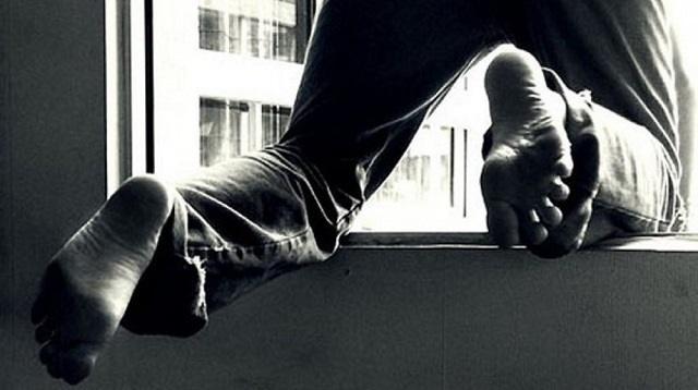 «Прыгнул с 12 этажа»: Насильник и грабитель пытался скрыться в Алматы
