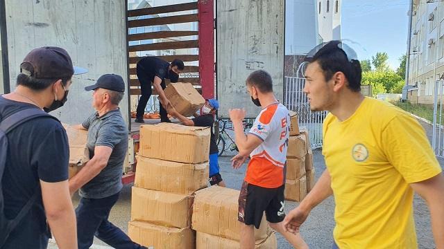 Видео: 40 тысяч защитных костюмов поступило в Костанайскую область