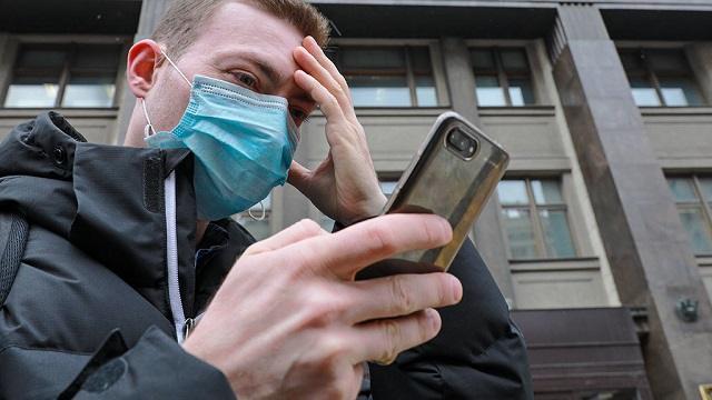 Жители Казахстана пожаловались на платные электронные учебники