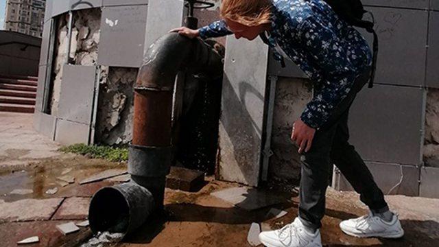 «Вода непригодна для питья»: На популярные родники наварили металлические трубы в Костанае
