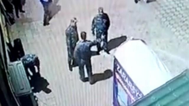 Видео: Освобожден от должности начальник полиции, раздававший подзатыльники подчинённым в Казахстане