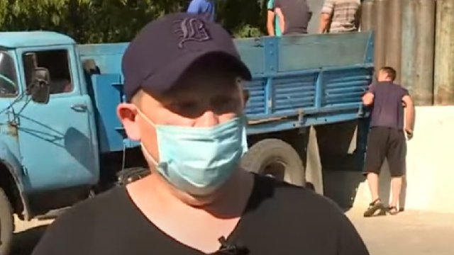 Видео: Как волонтёры помогают врачам в больницах Костанайской области
