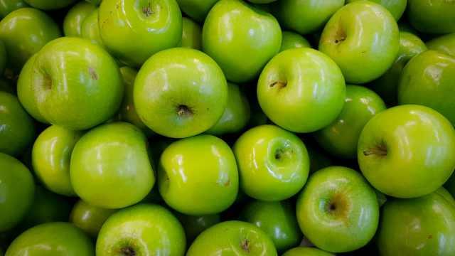 «Это нонсенс!»: Стоимость яблок перевалила за 1000 тенге в Костанае