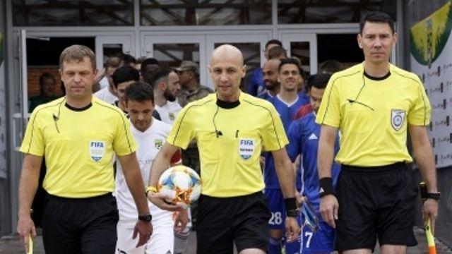 Бригаду арбитров из Казахстана сняли с матча Лиги чемпионов из-за коронавирусной инфекции