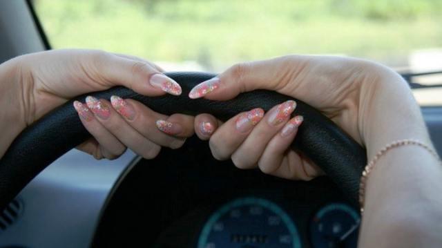 Видео: Самым дисциплинированным водителем в Казахстане оказалась женщина