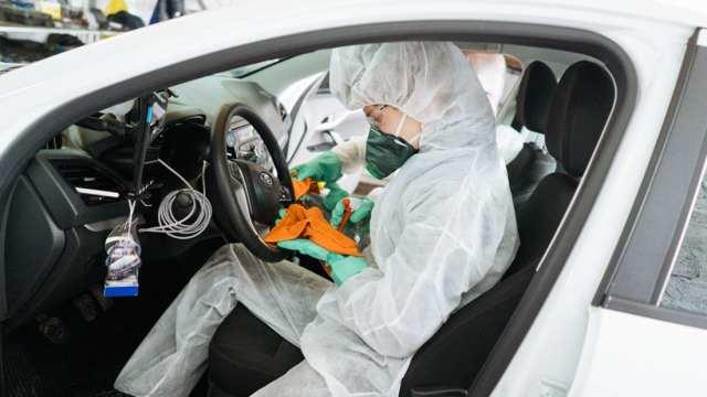 Хуже сиденья унитаза: Определены самые грязные места в машине