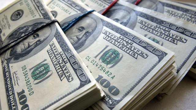 «Потерял в аэропорту Нур-Султана»: Полицейские вернули иностранцу крупную сумму денег