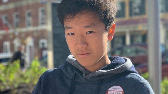 Как подросток из Алматы помогает детям из разных стран
