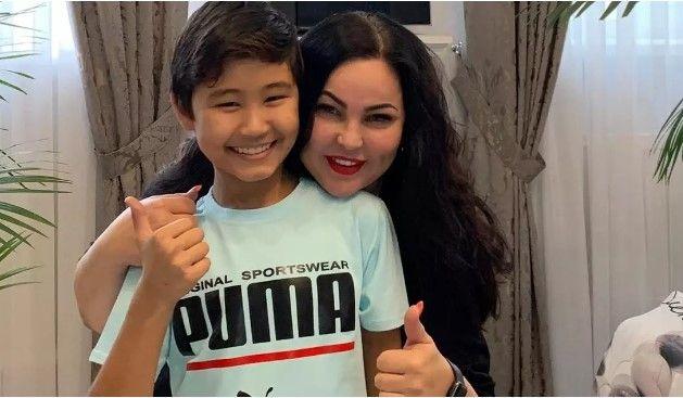 Юный маникюрщик Арулат Мухаметкали из Казахстана выиграл престижный конкурс в Италии