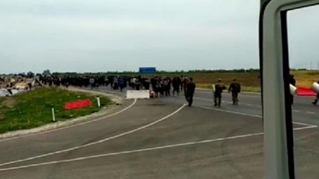 На границе России и Казахстана произошли столкновения с участием мигрантов