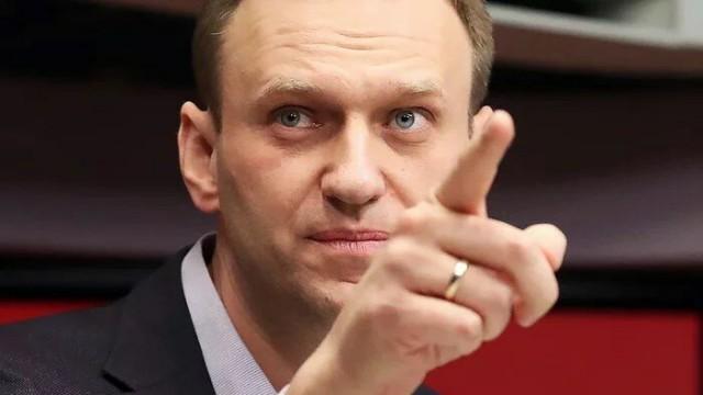 Когда суд рассмотрит замену Навальному условного срока на реальный