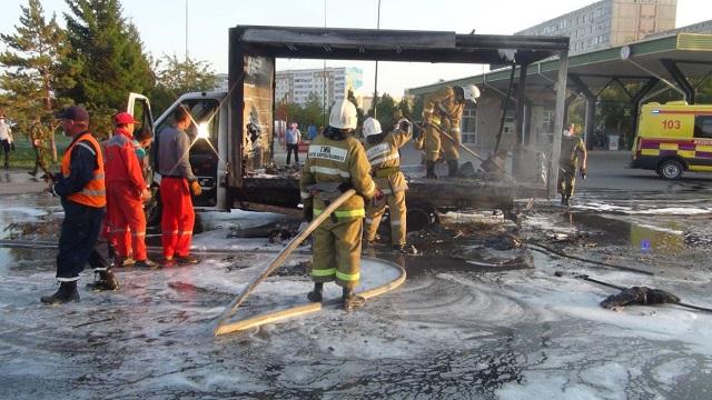 Автомобиль загорелся рядом с АЗС в Кокшетау