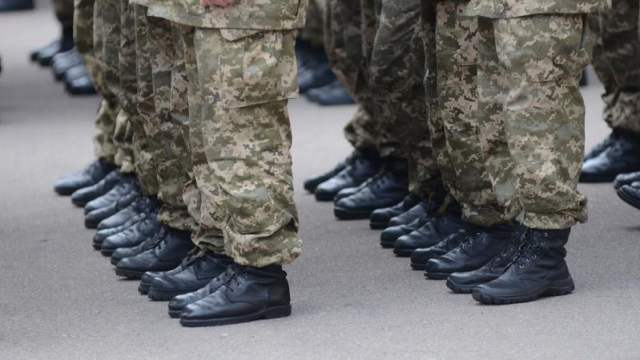 Дедовщины в армии Казахстана нет — министр обороны