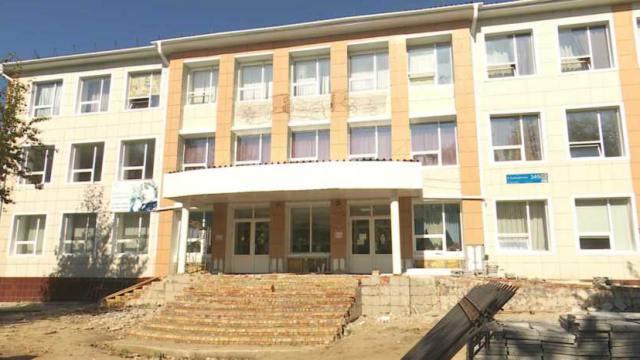 Ученики дежурных классов трех школ Костаная начнут учебный год в других школах