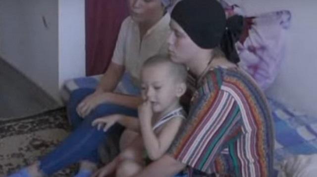 Видео: Из-за родительских долгов трое сирот могут остаться без дома