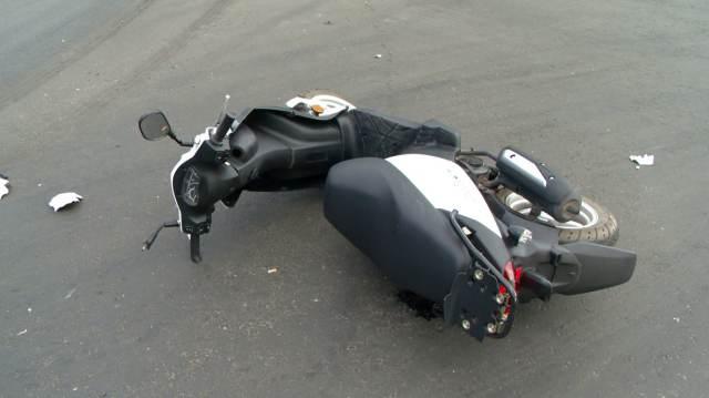 «Мерседес» сбил парня на скутере в Костанае