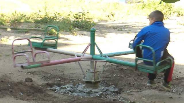 Надежду на появление новой детской площадки теряют жители одного из дворов Костаная