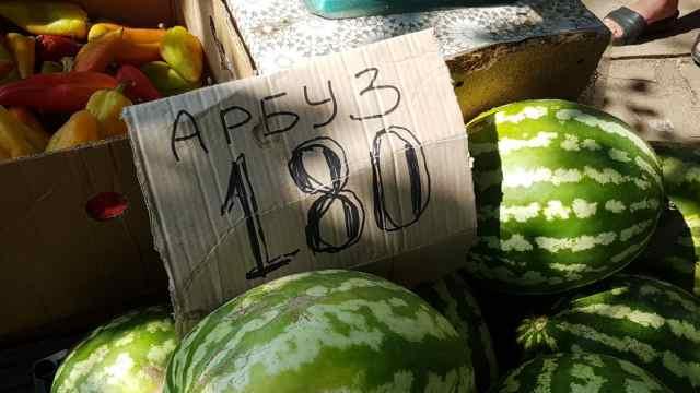 «Офигели уже!» Стоимость килограмма арбузов выросла за ночь до 180 тенге в Костанае