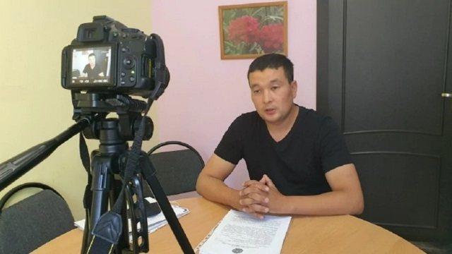 Видео: В Караганде застреливший фермера казахстанец выпущен на свободу после суда